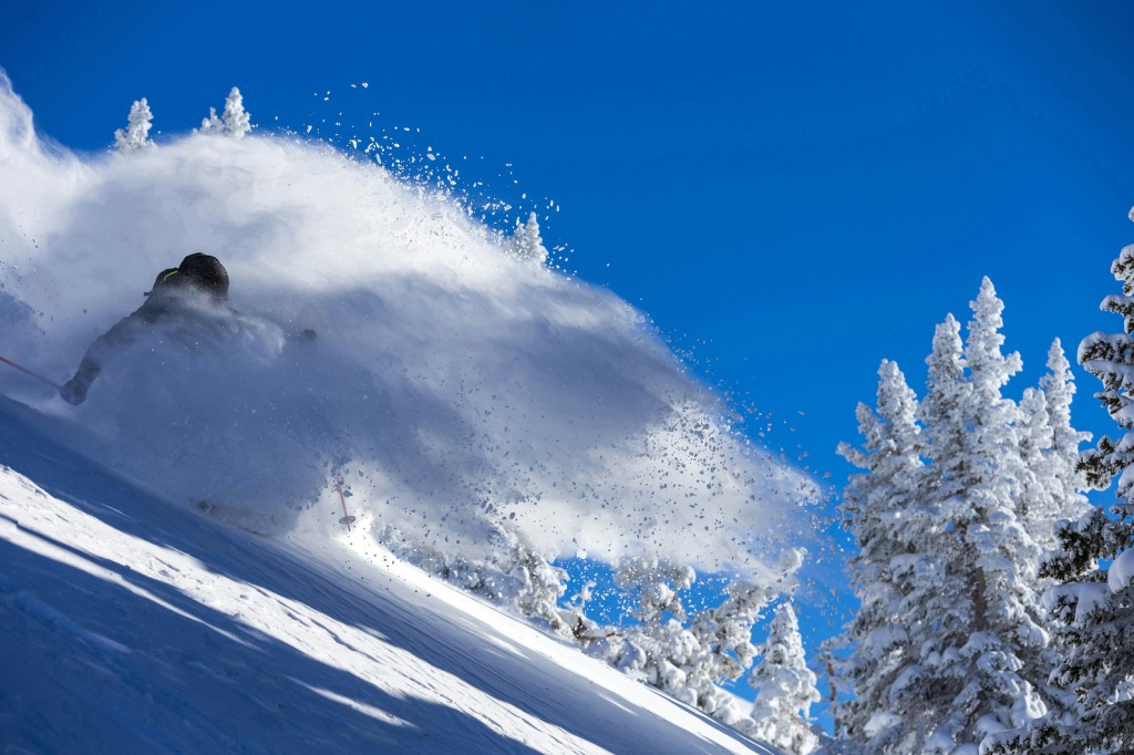 skihelm informatie - skihelm is ook lekker warm in de sneeuw !